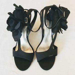 NWT Jacqueline Ferrar heels